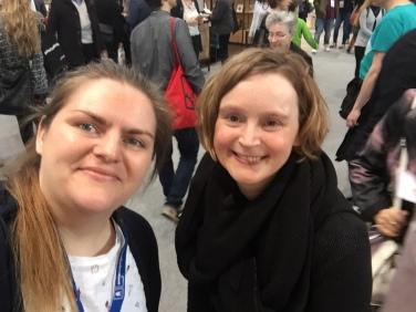 Rechts: Kathrin Wildenberger