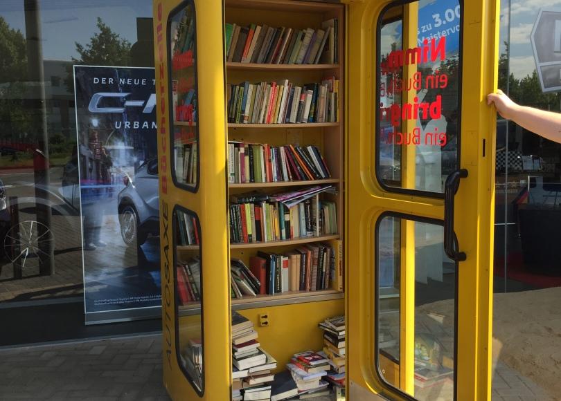 Autosaxe Bücherzelle