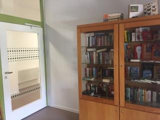 Bücherschrank, Offenes Tauschregal, Telefonzelle, Bücherzelle, Büchertausch, Dresden, Tausch, Bücher, Buch, Buchtausch, Kammergut Pillnitz
