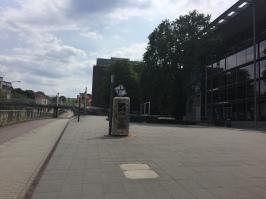 Telefonzelle an der TU Dresden, Bücherschrank, Offenes Tauschregal, Telefonzelle, Bücherzelle, Büchertausch, Dresden, Tausch, Bücher, Buch, Buchtausch,